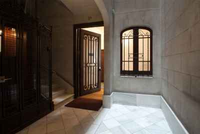 Stunning renovated apartment in the prime area of Barcelona
